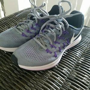 Nike Air Zoom Pegasus 33 Purple & Grey